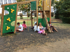 4M Reading Under The Trees